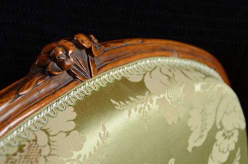 Réfection d'un fauteuil Louis XV, zoom s