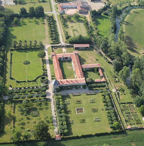 Vue aérienne du logis de Chaligny