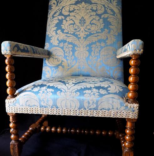 Fauteuil Louis XIII d'époque restauré