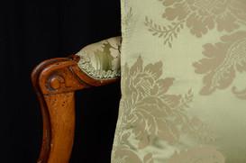 Restauration d'une tapisserie de fauteui
