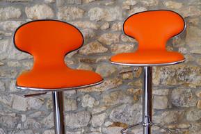chaises-de-bar-restaurees.jpg
