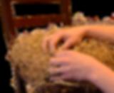 Rembourrage d'une chaise en crin végétal