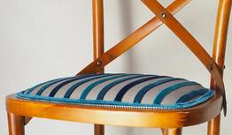chaise-restauree-art-moderne.jpg