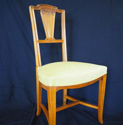 Chaise ancienne de style art nouveau