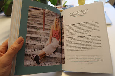 boek Suzanne1..JPG