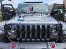 gray 2020 jeep gladiator windshield replacement (1).jpg