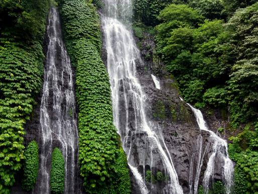 Vodopády a sopky, Bali