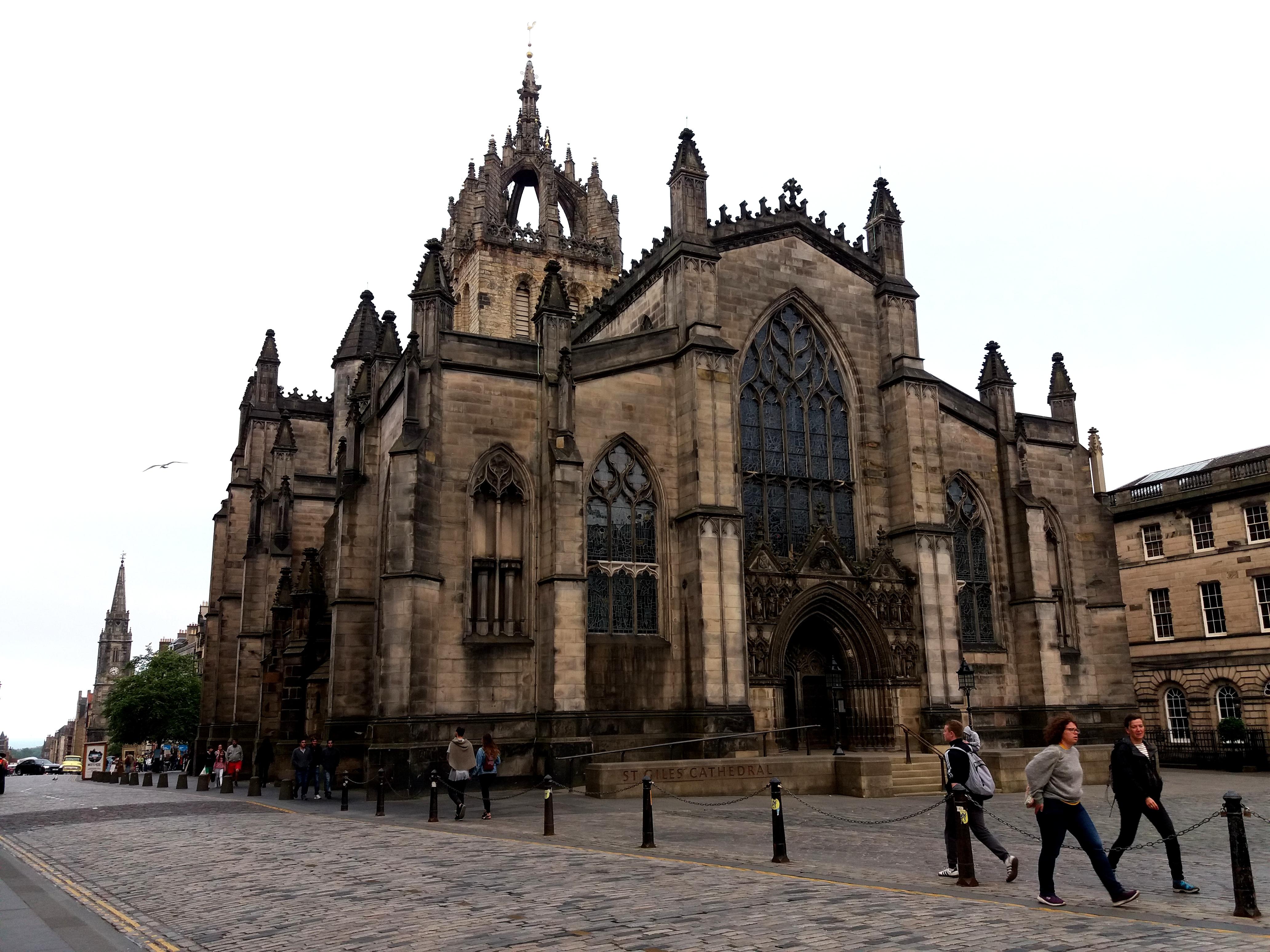 V Edinburghu