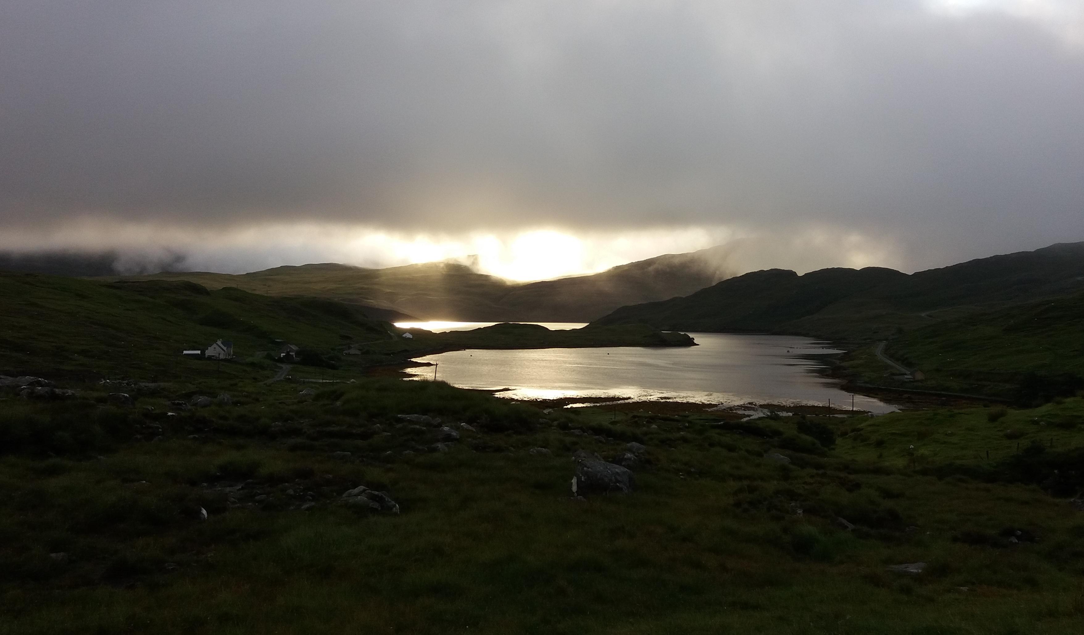 východ slunce na Isle of Harris