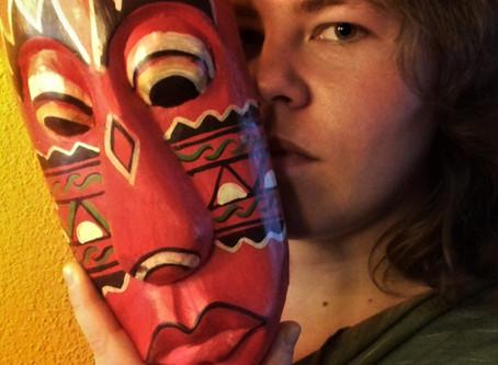 Pseudoniem: wil ik nog wel een masker?