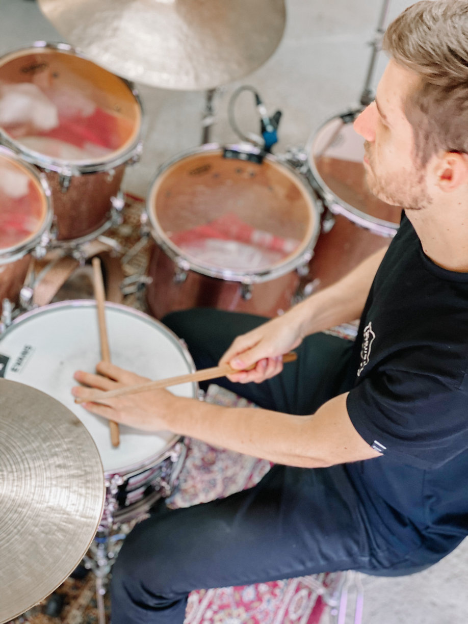 Drum Lessons, Zoom lessons, drum loops, grooves, fills, techniques, by Jon Foster Drummer