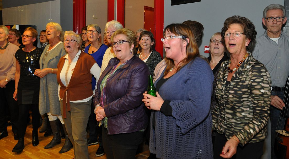 De zingende zeemansvrouwen.jpg