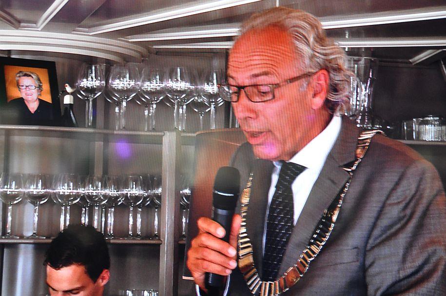Burgemeester Victor Molkenboer