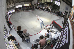 CA Skateparks Africa builds Vans Indoor skate bowl