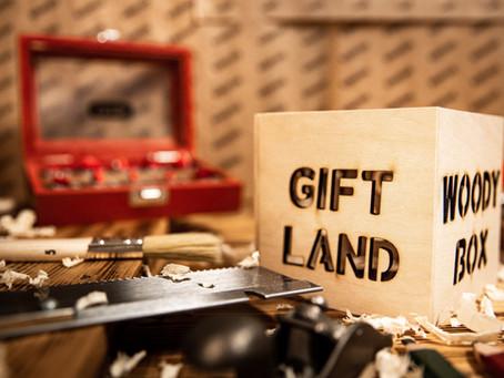 Kézzel készült fa ajándék