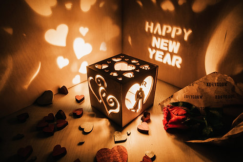 WoodyBox Couple Happy New Year