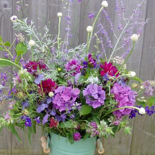 floral arrangments bucket 4.jpg