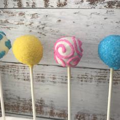 Princess Themed Cake Pops (1).jpg
