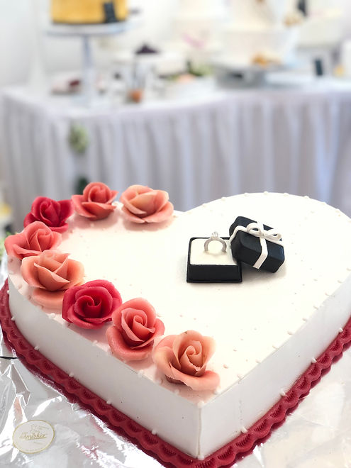 Torte Verlobung.jpeg