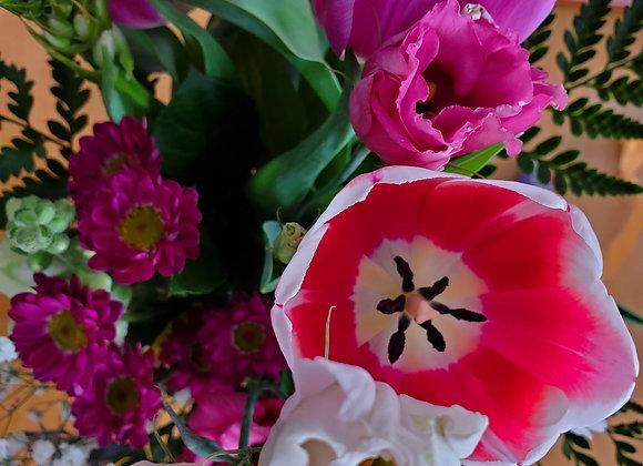 Flowers & Box of 10 Chocolates