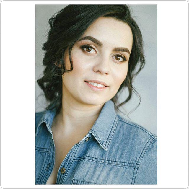 Красивая Олеся _olesya_leteria😍_За фото спасибо _annalferova _Макияж и прическа мои😉_Напомню, что