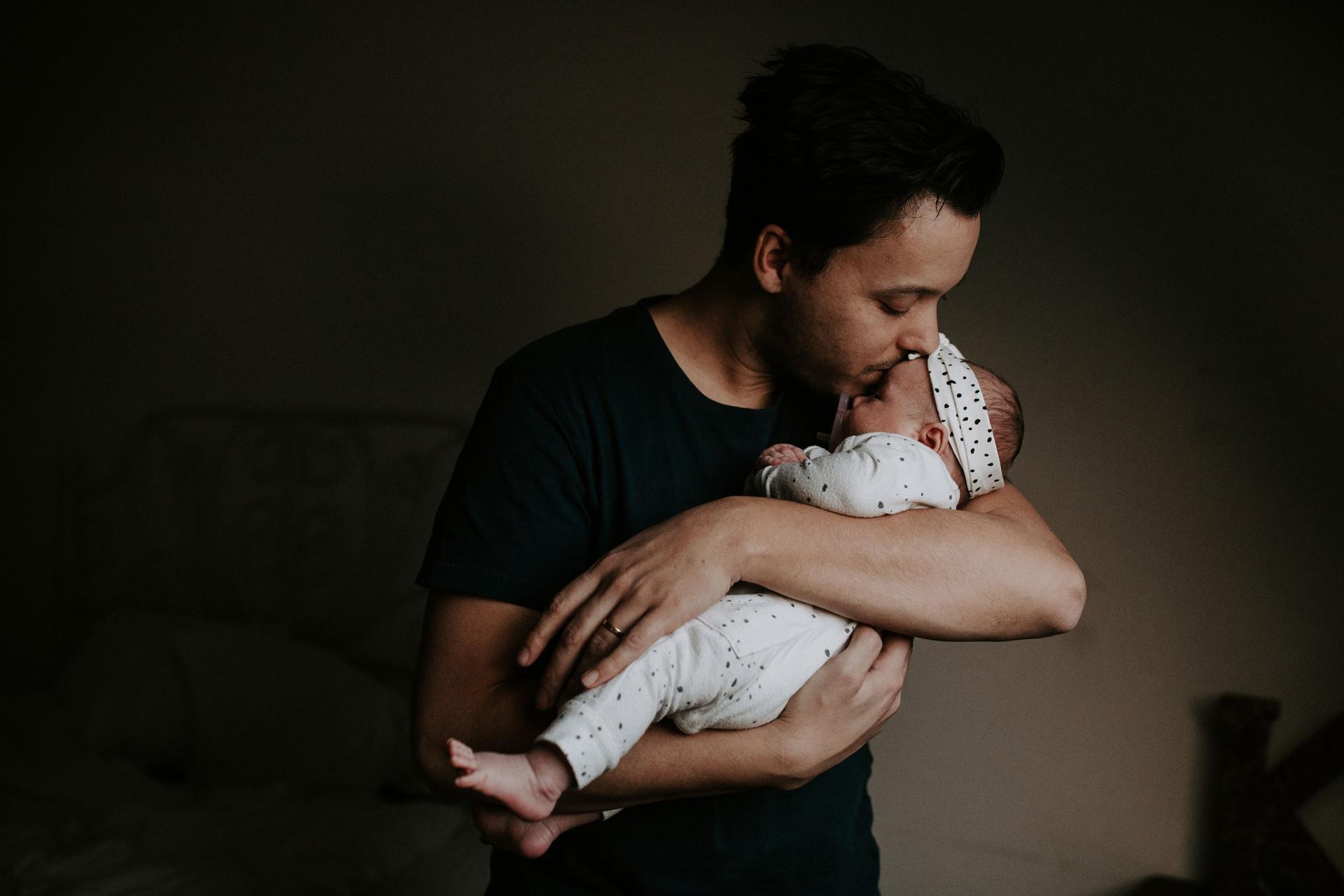 Newbornfotografie Lifestyle newborn, stance photography