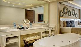 Luxury-Suite-6.jpg
