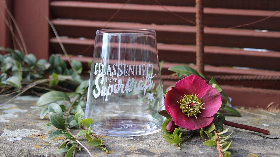 """Weinglas """"Gelassenheit ist eine Superkraft"""""""