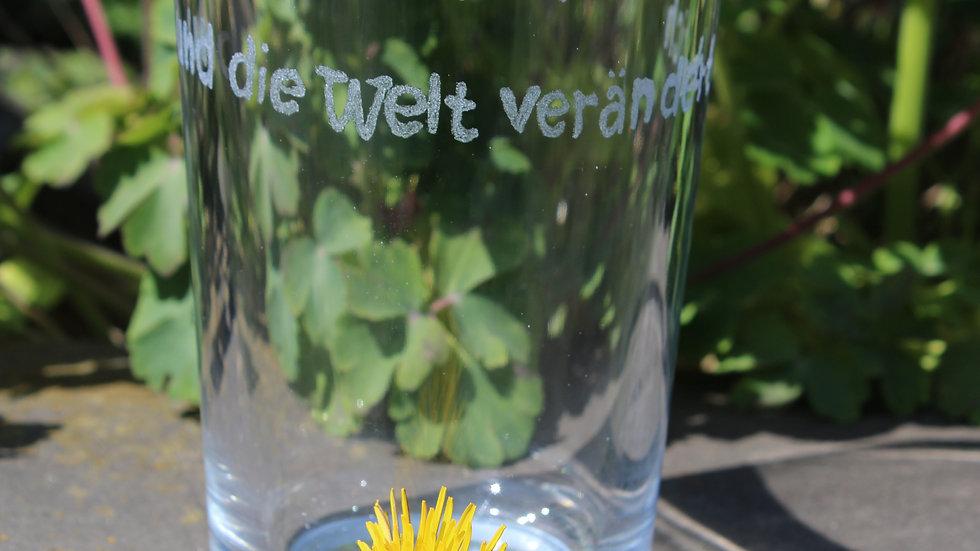 Trinkglas Lächle und die Welt verändert sich