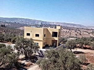 بيت مستقل للبيع في السلط سيحان طابقين على ارض 1300 متر مربع بسعر مناسب