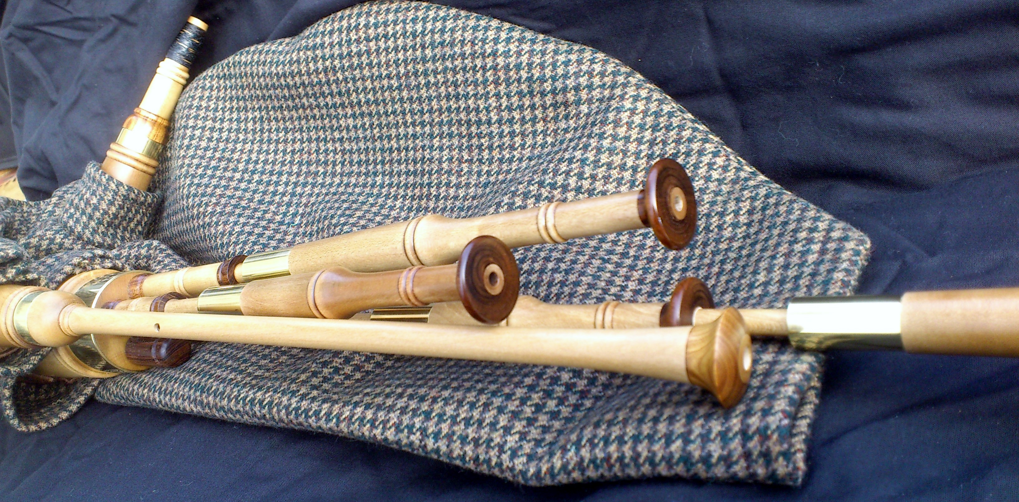 holly smallpipes (8).JPG