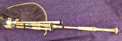 holly borderpipes with black buffalo horn (11).JPG