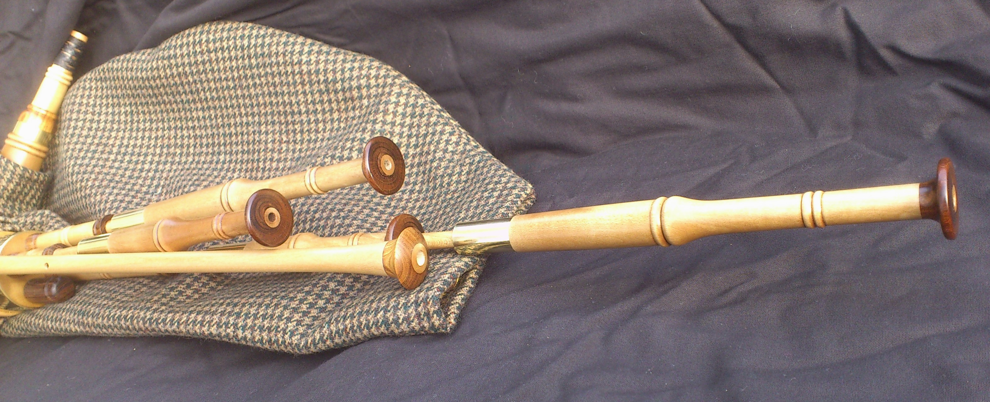holly smallpipes (9).JPG