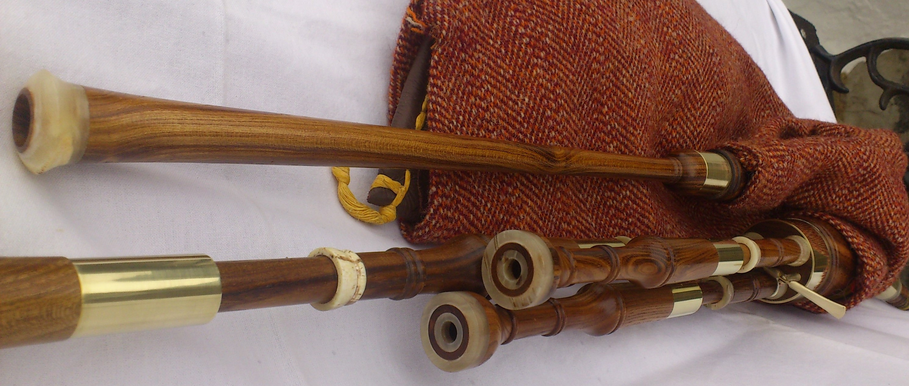 laburnum borderpipes 1