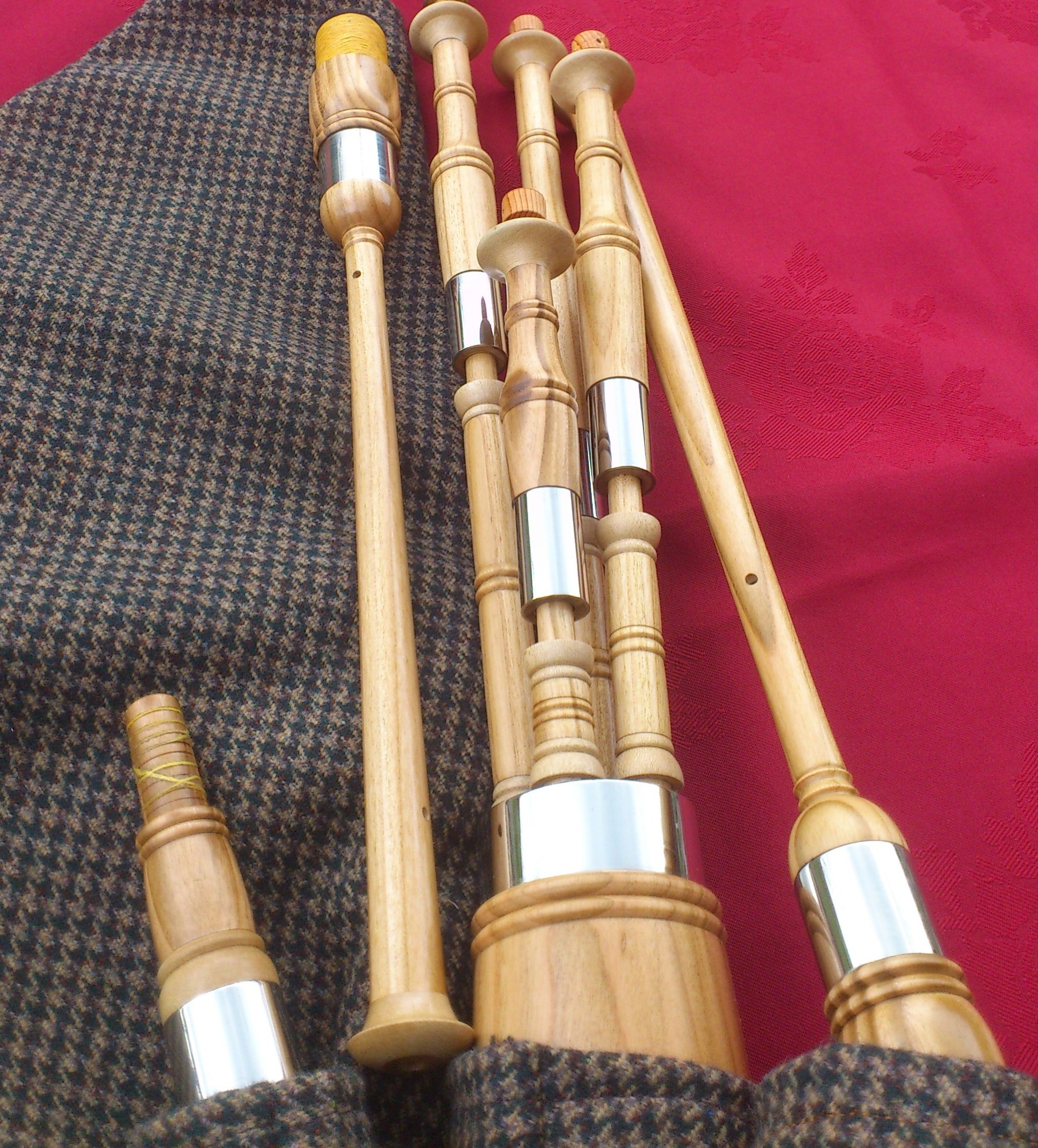 Cherry smallpipes