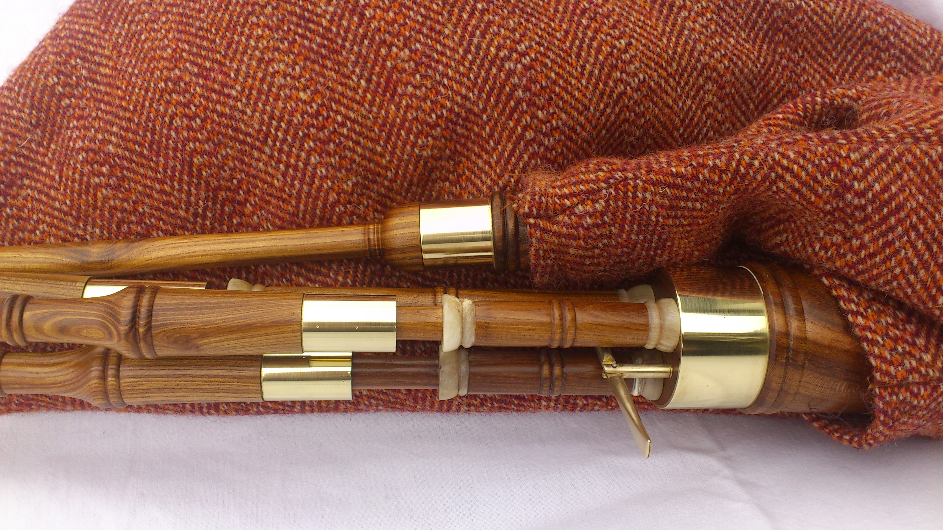 laburnum borderpipes 2