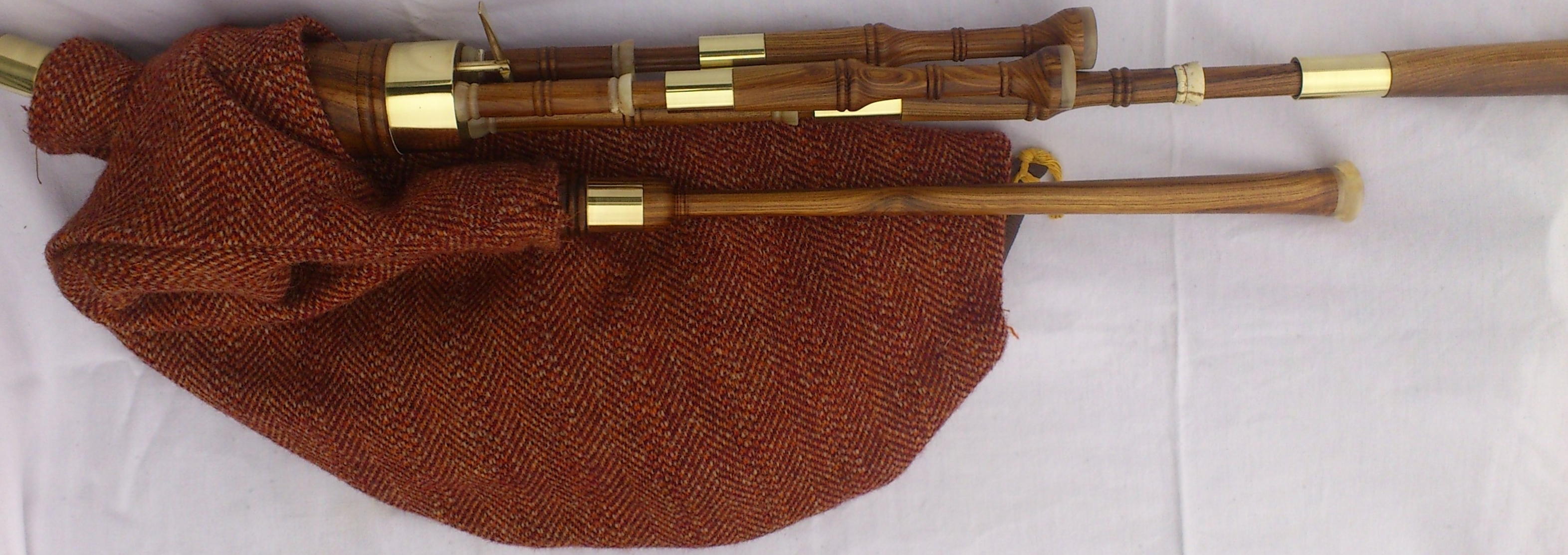 laburnum borderpipes 4