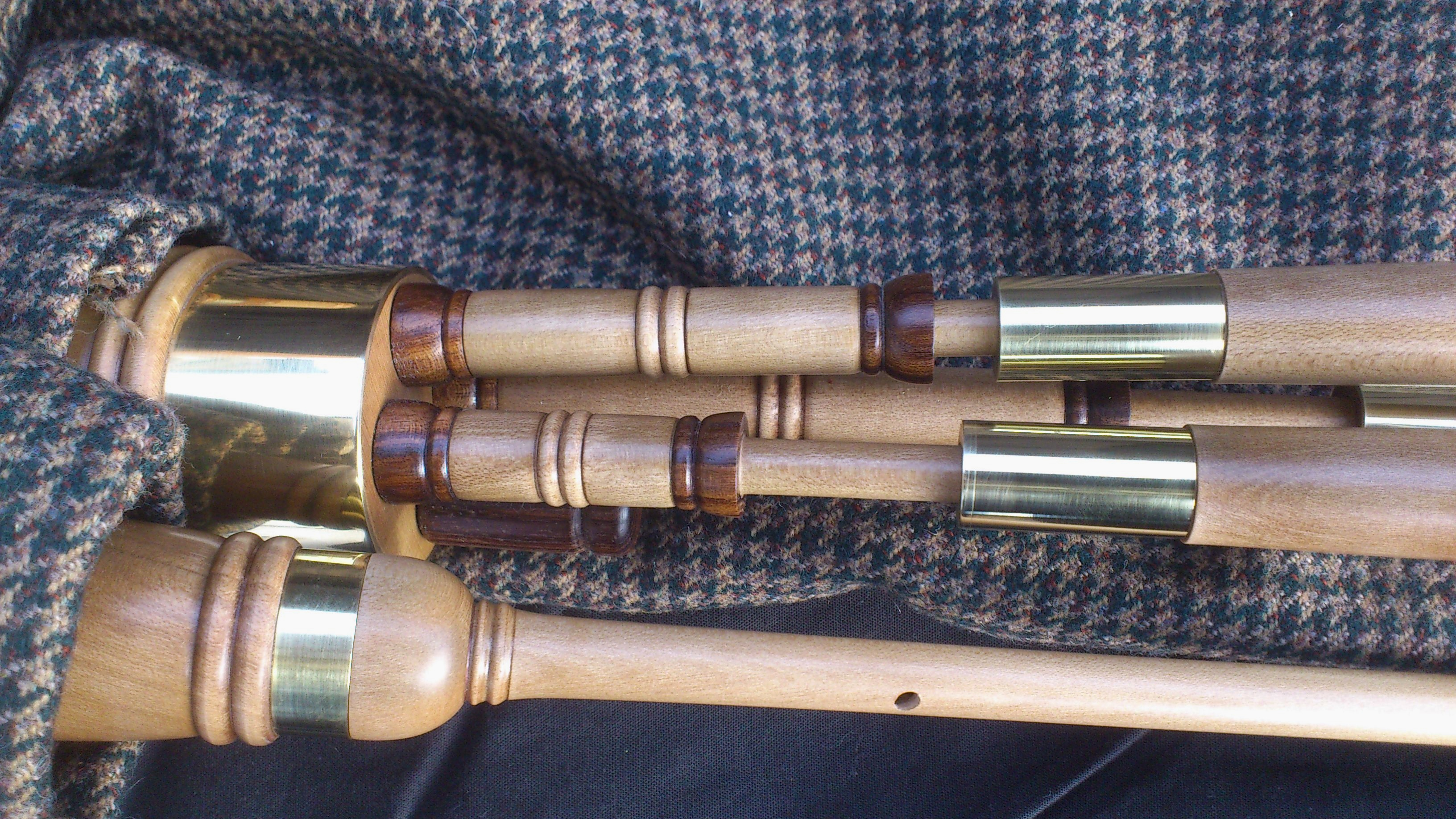 holly smallpipes (2).JPG