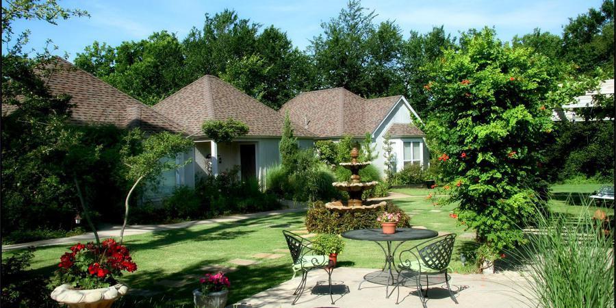 Lindley House Cottages.jpg