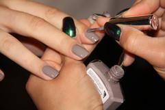 By Malinas visning var inspirerad av öken och sand. Matta lerfärgade naglar fick pryda modellerna..jpg