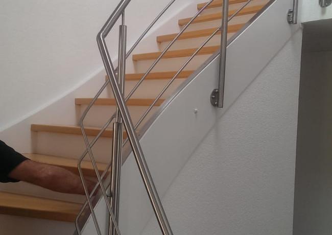 Innenausbau_Treppenrenovierung Individuell 007_made4home-design
