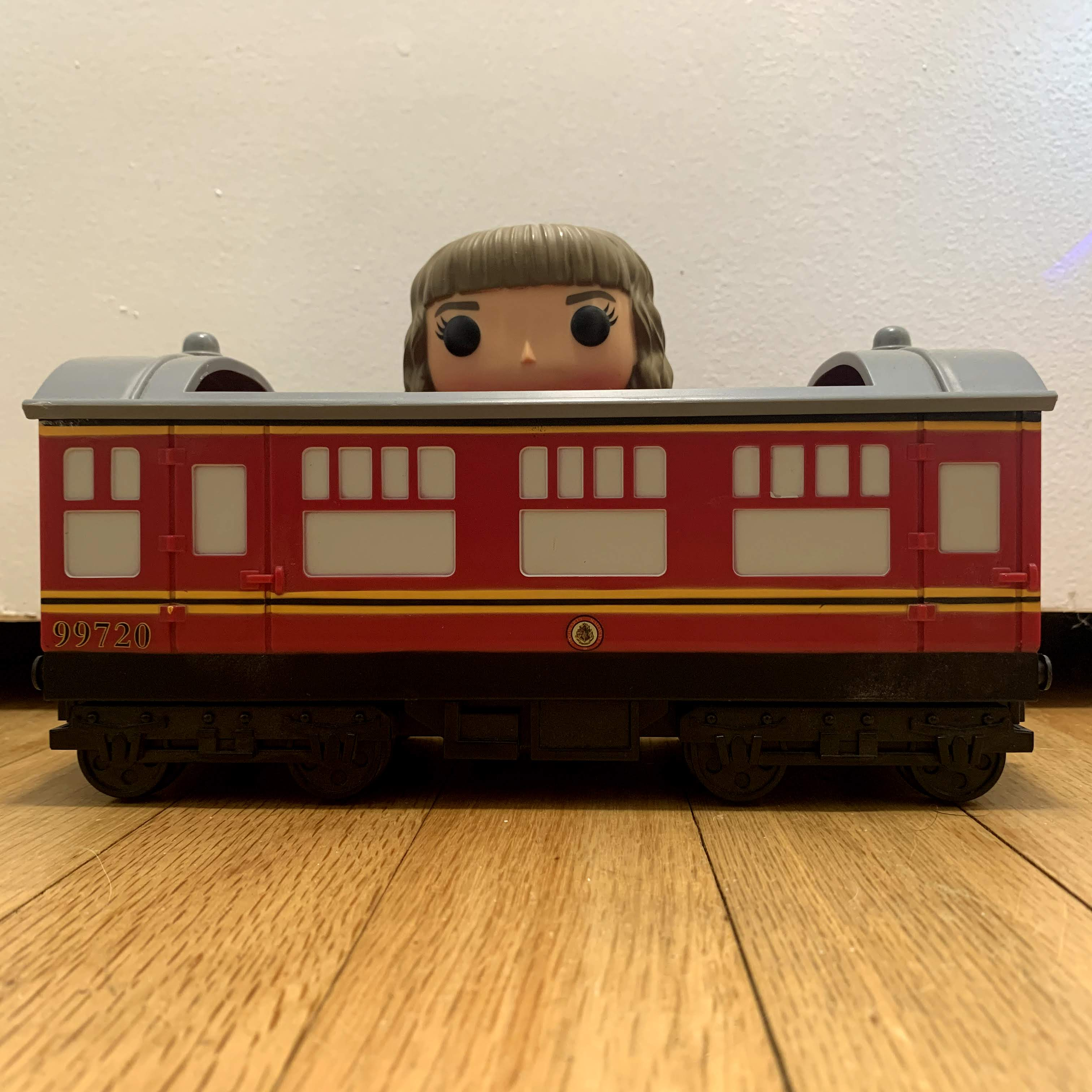 22 Hogwarts Express Carriage with Hermione Granger