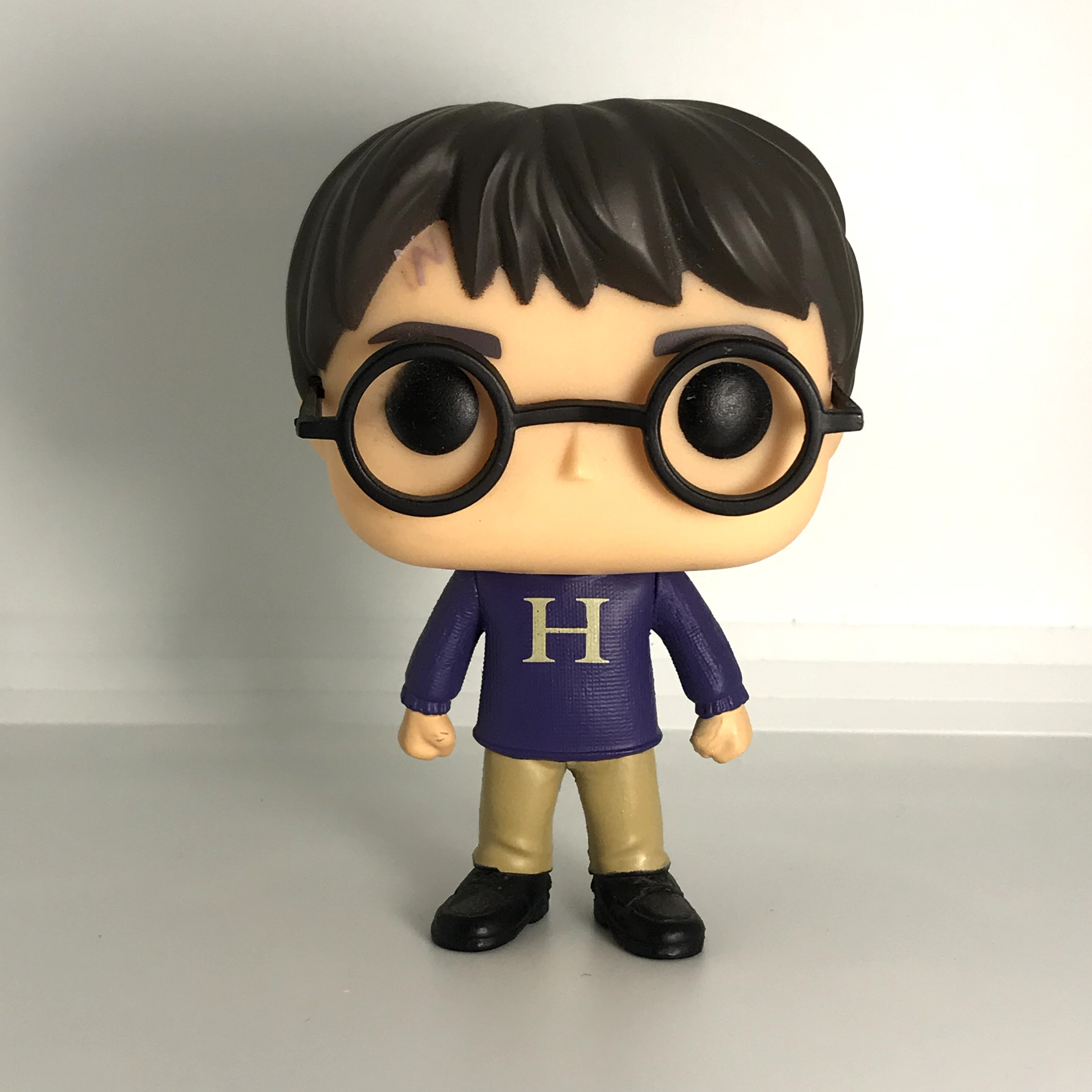 "27 Harry Potter ""H"" Sweater"