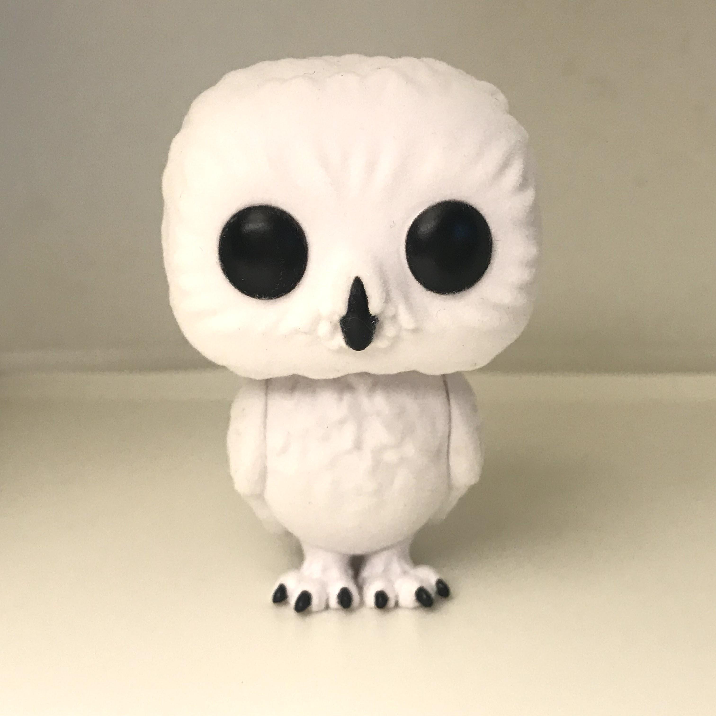 76 Hedwig - Flocked