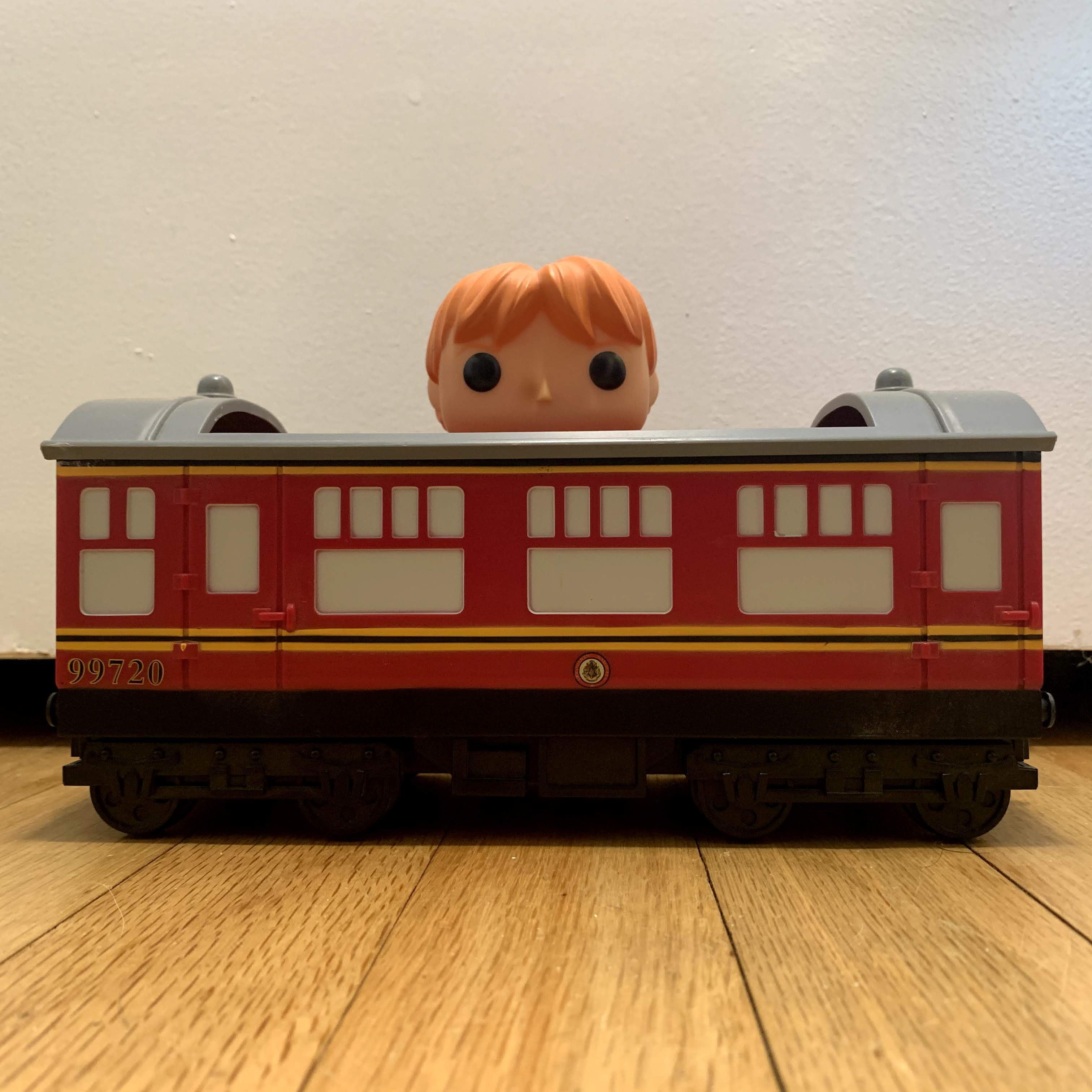 21 Hogwarts Express Carriage with Ron Weasley