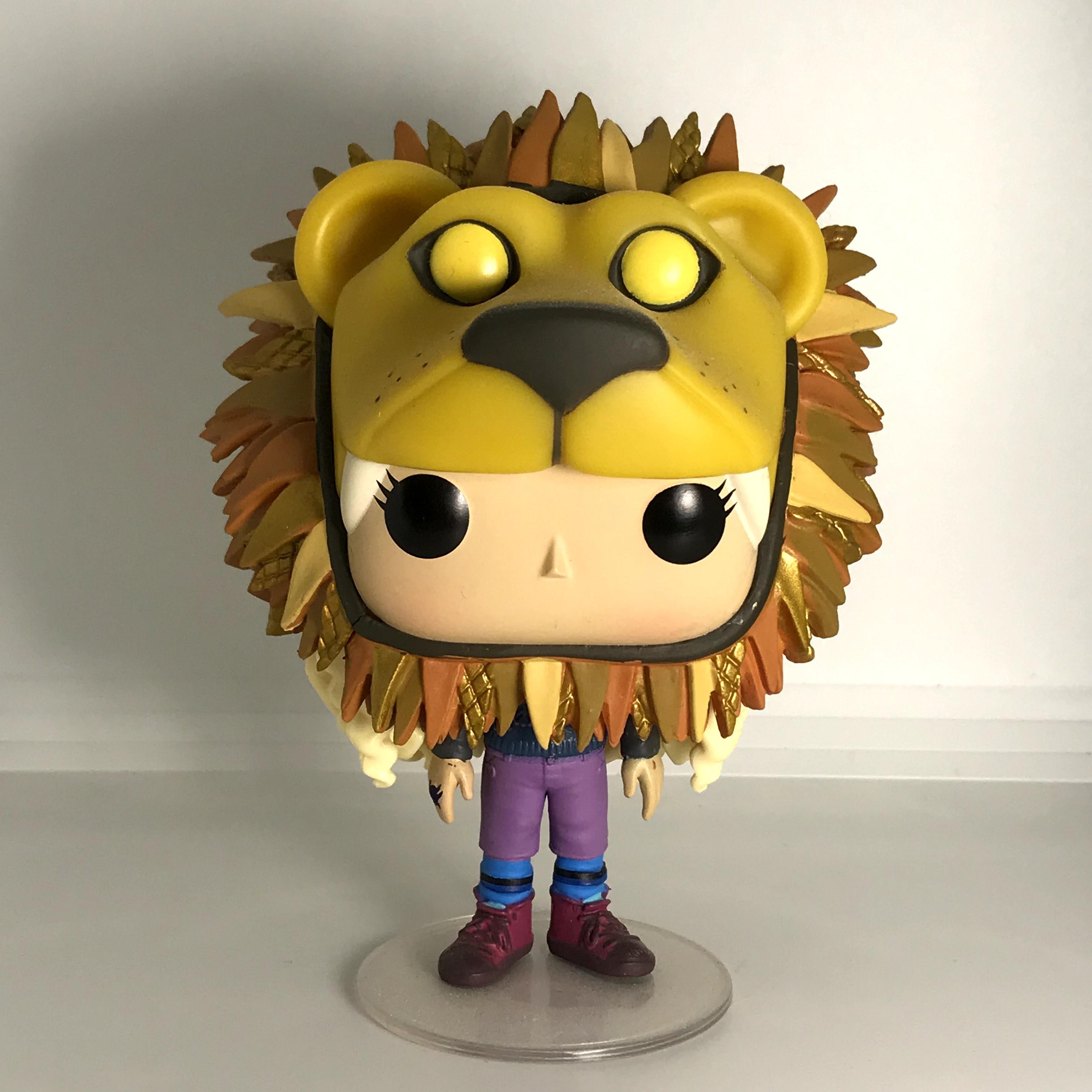 47 Luna Lovegood with Lion Hat