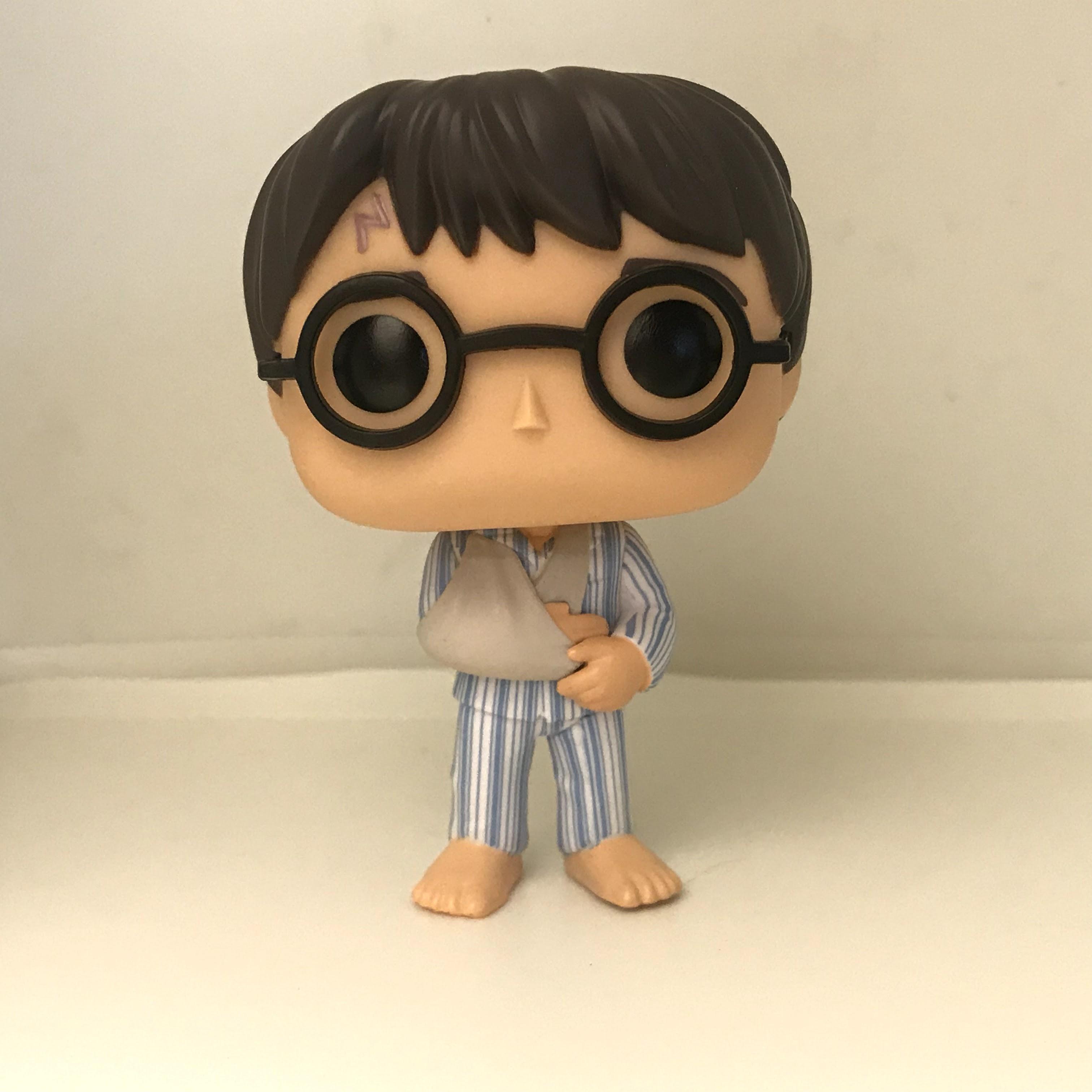 79 Harry Potter with Broken Arm