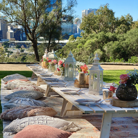 Urban Earth styled picnic