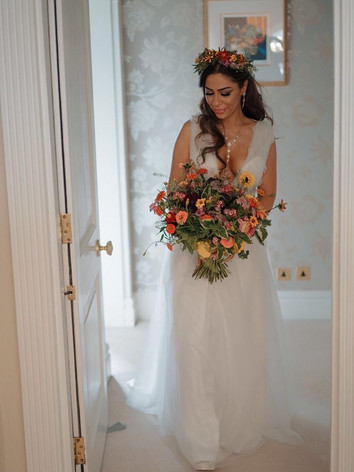 Stuuning summer bridal bouquet
