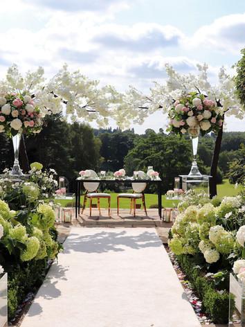 Delamere Manor Outdoor Summer wedding